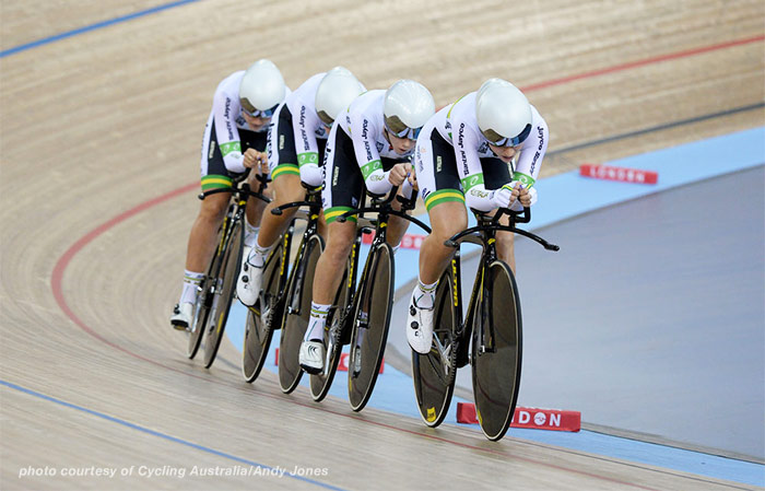 07190-aussie-cycling-team-in-line