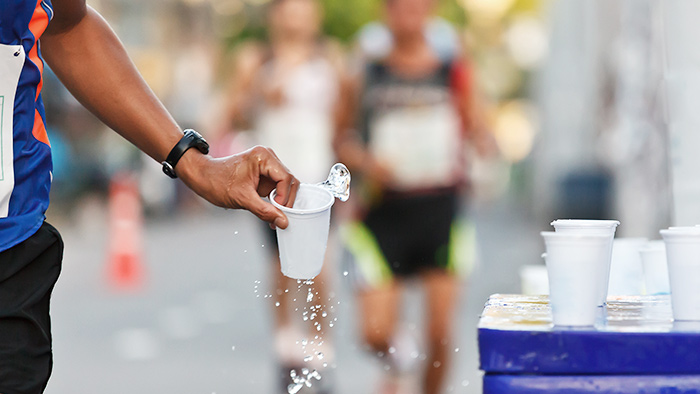 How to Avoid These 3 Common Long-Distance Racing Hydration Fails