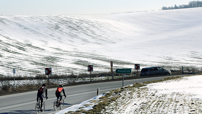 12300-8-tips-for-winter-cycling-blog-700x394