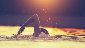 03057-tips-on-effective-body-positioning-swim-700x394